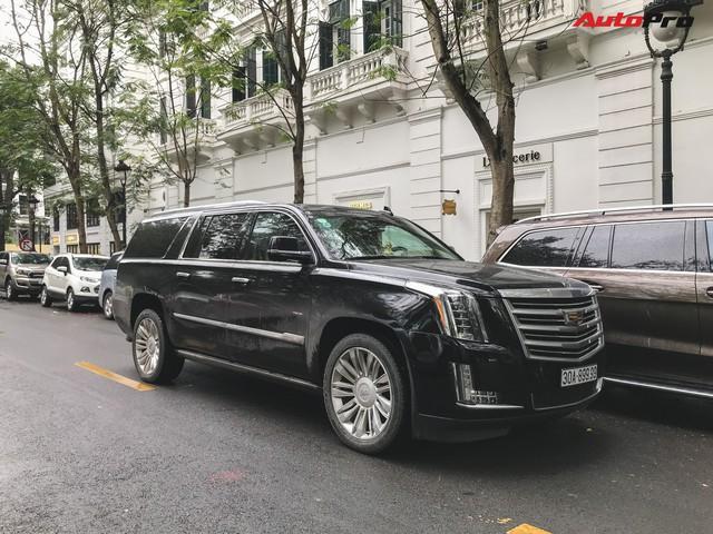 'Khủng long' Cadillac Escalade 'thùng dài' đeo biển số tứ quý 9 phát mãi của đại gia Hà thành - Ảnh 1.