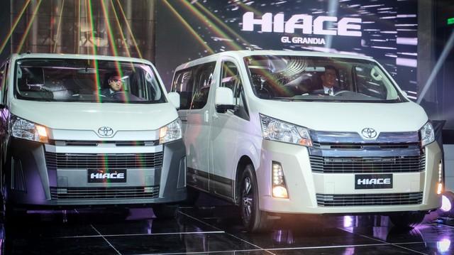 Ra mắt Toyota Hiace 2019 - 'tiểu Alphard' cạnh tranh Ford Transit