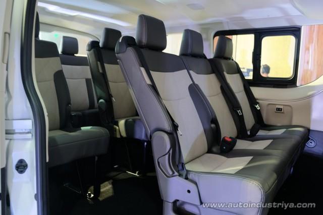 Ra mắt Toyota Hiace 2019 - tiểu Alphard cạnh tranh Ford Transit - Ảnh 7.