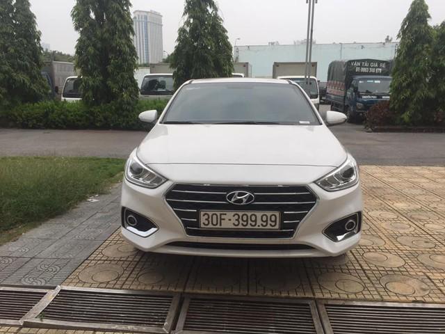 Hyundai Accent đeo biển tứ quý 9 rao bán 850 triệu đồng: Nhiều người chê ảo tưởng - Ảnh 1.