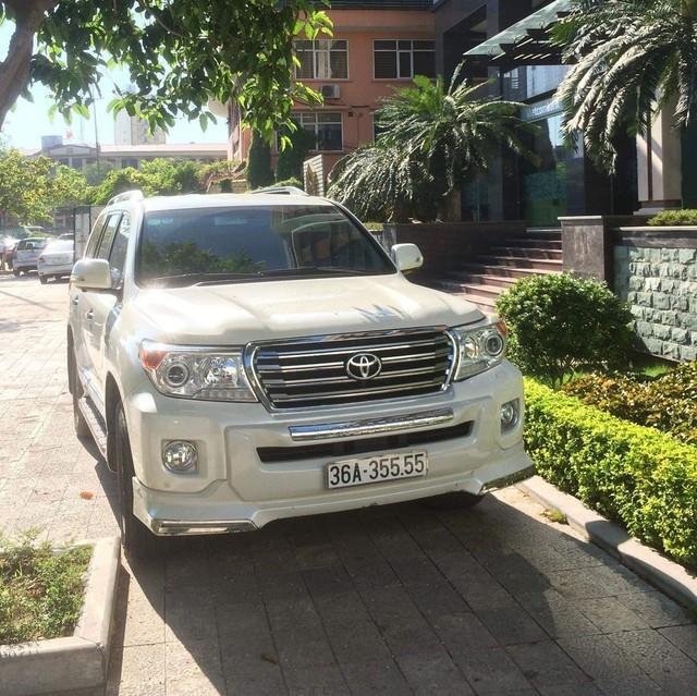 Dàn xe khủng biển đẹp của đại gia Thanh Hoá - những 'fan cuồng' Lexus và Toyota - Ảnh 5.