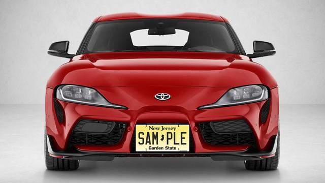 Bài toán khó cho chủ xe Toyota Supra mới: Lắp biển xe vào đâu bây giờ?? - Ảnh 2.
