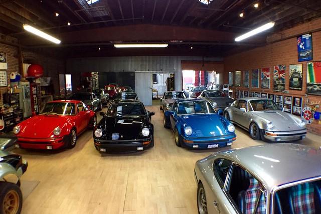 Những garage xe đáng mơ ước nhất thế giới - Ảnh 20.