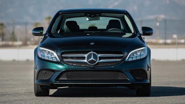 Đánh giá Mercedes-Benz C-Class 2019: Điều gì khiến nhà giàu Việt mong chờ đến vậy? - Ảnh 1.