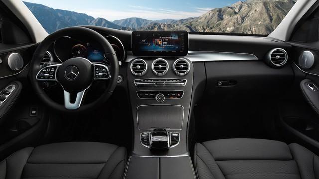Đánh giá Mercedes-Benz C-Class 2019: Điều gì khiến nhà giàu Việt mong chờ đến vậy? - Ảnh 4.