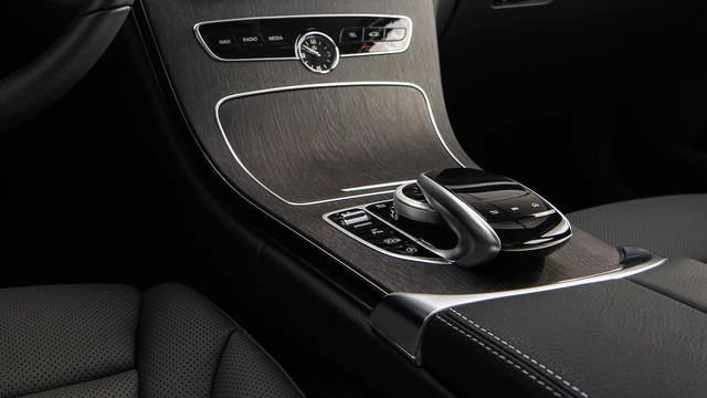 Đánh giá Mercedes-Benz C-Class 2019: Điều gì khiến nhà giàu Việt mong chờ đến vậy? - Ảnh 5.