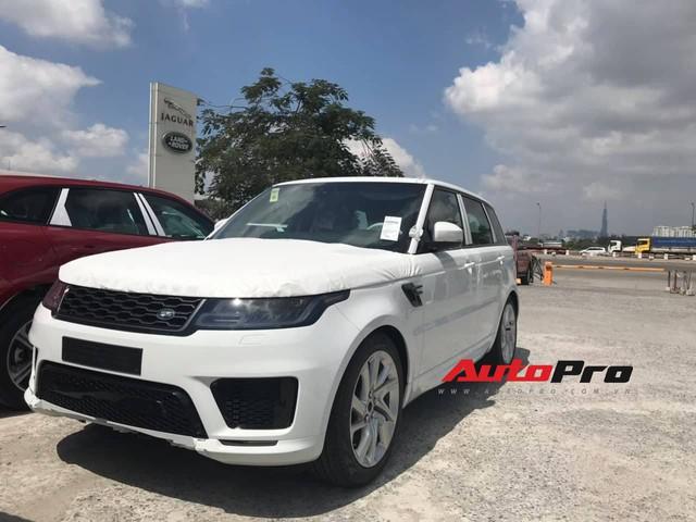 Lô hàng Range Rover Sport 2019 chính hãng giá hơn 4,7 tỷ đồng đầu tiên về Việt Nam - Ảnh 2.