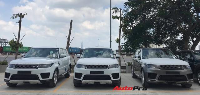 Lô hàng Range Rover Sport 2019 chính hãng giá hơn 4,7 tỷ đồng đầu tiên về Việt Nam - Ảnh 1.
