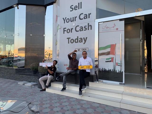 Thiên đường siêu xe secondhand giá rẻ ở Dubai: Khi người giàu chỉ đi 50 km đã bán, mua xe khác để trải nghiệm - Ảnh 4.
