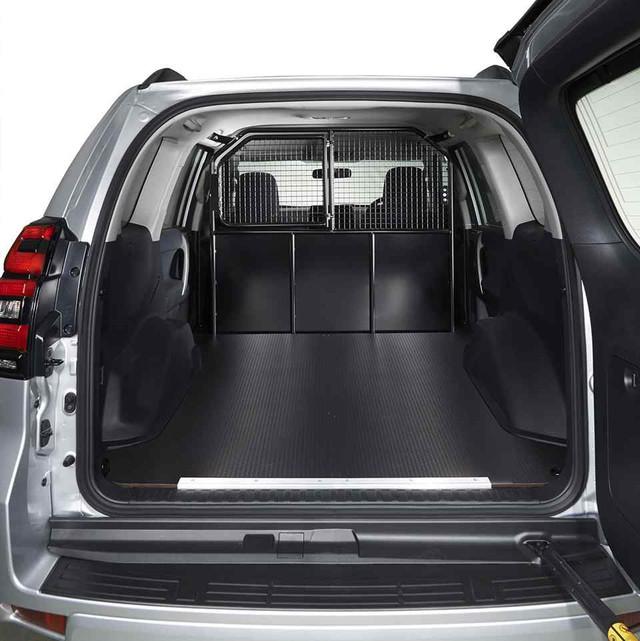 Mitsubishi trình làng Pajero Sport bán tải cho khách chạy dịch vụ - Ảnh 3.