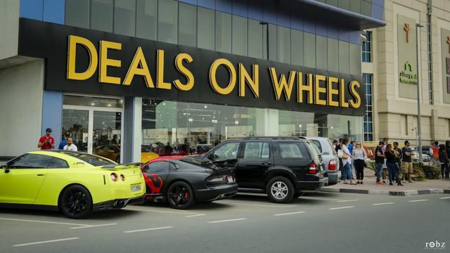 Thiên đường siêu xe secondhand giá rẻ ở Dubai: Khi người giàu chỉ đi 50 km đã bán, mua xe khác để trải nghiệm - Ảnh 2.