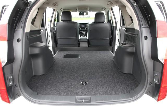 Mitsubishi trình làng Pajero Sport bán tải cho khách chạy dịch vụ - Ảnh 1.