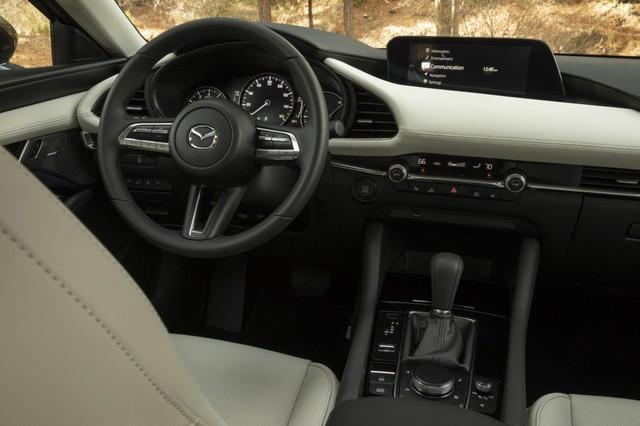 Mazda3 2019 vẫn sử dụng màn hình cùi bắp và lời giải thích bất ngờ từ Mazda - Ảnh 3.