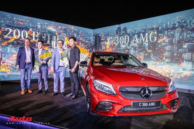 Cầu thủ Anh Đức muốn mua C-Class 2019, ca sĩ Ngô Kiến Huy đã chốt luôn một chiếc trong 'một nốt nhạc' - Ảnh 5.