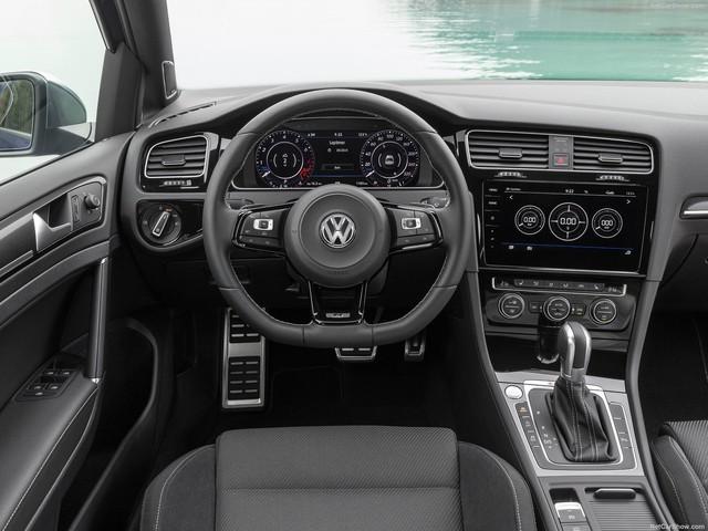 Volkswagen Golf R đời mới bất ngờ xuất hiện tại Việt Nam: Khi nhà giàu muốn chơi hàng độc - Ảnh 3.