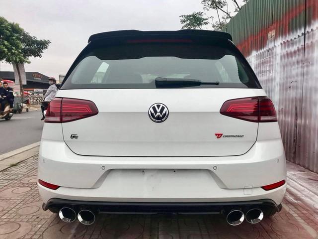 Volkswagen Golf R đời mới bất ngờ xuất hiện tại Việt Nam: Khi nhà giàu muốn chơi hàng độc - Ảnh 2.