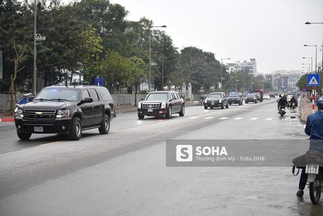 [ẢNH] Chuyên xa The Beast của TT Trump cùng dàn xe đặc chủng hầm hố trên đường phố Hà Nội - Ảnh 7.