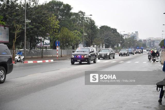 [ẢNH] Chuyên xa The Beast của TT Trump cùng dàn xe đặc chủng hầm hố trên đường phố Hà Nội - Ảnh 8.