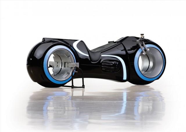 Choáng với siêu môtô Tron Light Cycle sắp về nước của đại gia Việt  - Ảnh 1.