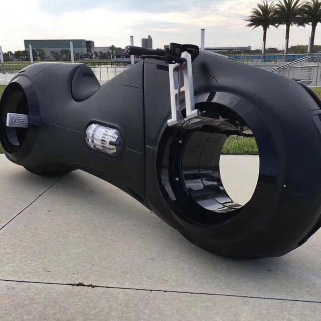 Choáng với siêu môtô Tron Light Cycle sắp về nước của đại gia Việt  - Ảnh 3.