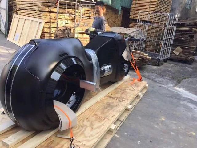 Choáng với siêu môtô Tron Light Cycle sắp về nước của đại gia Việt  - Ảnh 4.