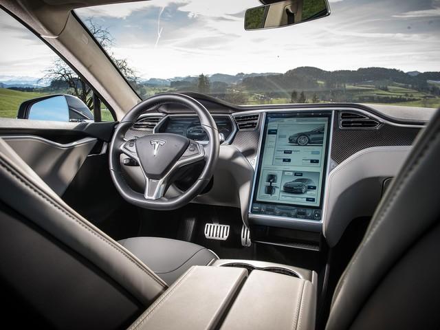 Khui công chiếc Tesla Model S siêu độc nhưng dễ nhầm lẫn tại Việt Nam - Ảnh 6.