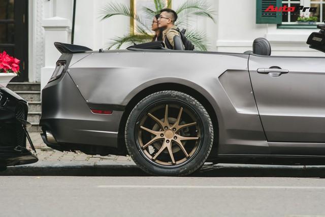 Dàn xe cơ bắp Mỹ cực ngầu náo loạn Hà Nội: Cặp đôi xe khủng của vợ chồng ca nương Kiều Anh nổi bật nhất - Ảnh 6.