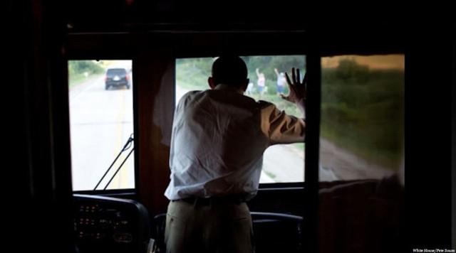 Ngắm siêu xe buýt của Tổng thống Mỹ - Ảnh 11.