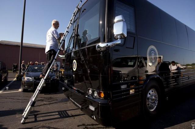Ngắm siêu xe buýt của Tổng thống Mỹ - Ảnh 12.