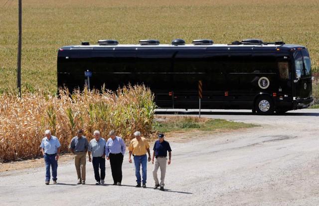 Ngắm siêu xe buýt của Tổng thống Mỹ - Ảnh 7.