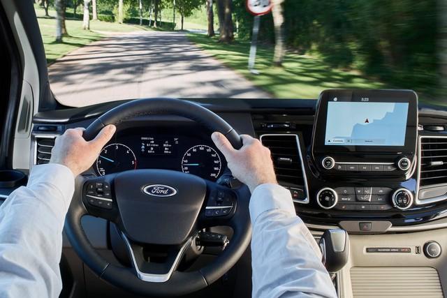 Lộ xe mới của Ford cạnh tranh Kia Sedona sắp ra mắt tại Việt Nam - Ảnh 3.