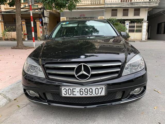 11 năm tuổi, Mercedes-Benz C230 Avantgarde rớt giá rẻ ngang Hyundai Accent  - Ảnh 1.