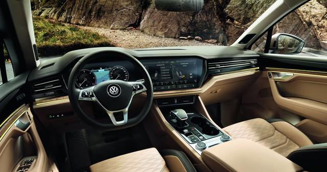 SUV hot Volkswagen Touareg có thêm bản máy dầu V8 - Ảnh 2.