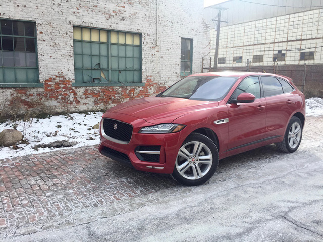 Jaguar nâng cấp đáng kể XF, F-Pace cho năm sau, kỳ vọng vực dậy doanh số ảm đạm - Ảnh 1.