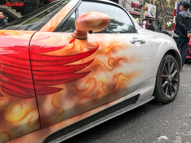 Mazda MX-5 của dân chơi Hà Nội trang trí táo bạo bằng phượng lửa - Ảnh 9.
