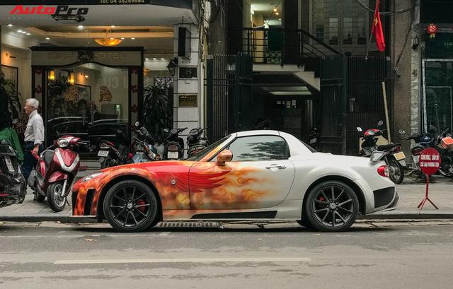 Mazda MX-5 của dân chơi Hà Nội trang trí táo bạo bằng phượng lửa - Ảnh 3.