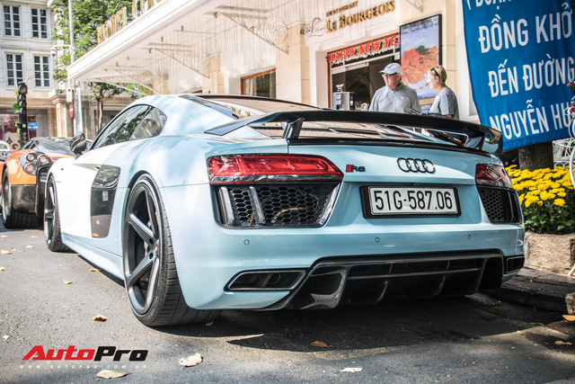 Sau tin đồn bán xe, Cường Đô La và Đàm Thu Trang xuất hiện cùng chiếc Audi R8 V10 Plus - Ảnh 8.