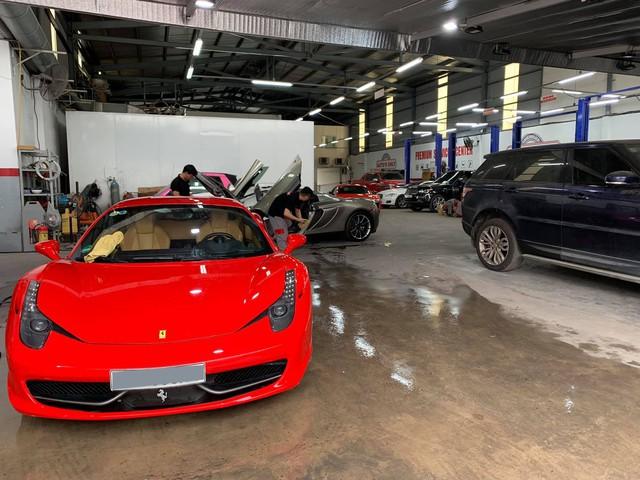 Dàn siêu xe trong hầm gửi xe triệu USD của vị đại gia bí ẩn đi làm đẹp trước Tết - Ảnh 2.