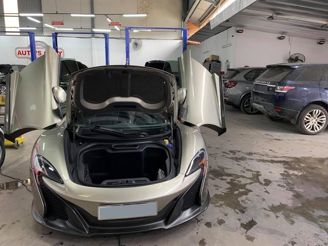 Dàn siêu xe trong hầm gửi xe triệu USD của vị đại gia bí ẩn đi làm đẹp trước Tết - Ảnh 4.
