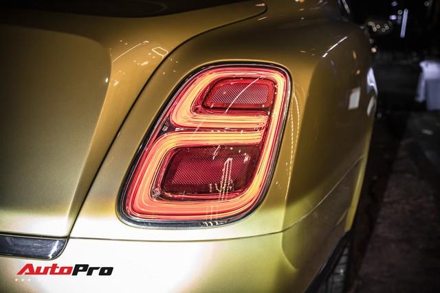 Ông chủ Đại Nam chi hơn 50 tỷ đồng mua Bentley Mulsanne EWB màu siêu độc tặng vợ dịp Tết - Ảnh 12.