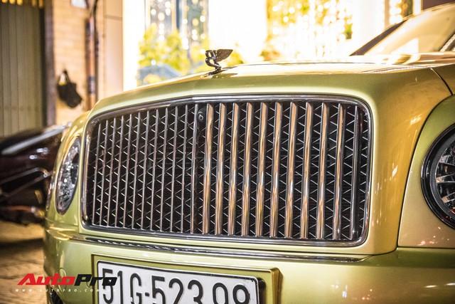 Ông chủ Đại Nam chi hơn 50 tỷ đồng mua Bentley Mulsanne EWB màu siêu độc tặng vợ dịp Tết - Ảnh 8.