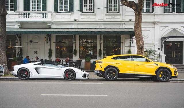 Dân chơi Hà Nội mang bộ tứ siêu xe Lamborghini đặc biệt và loạt Ford Mustang xếp hàng dài trên phố thu hút sự chú ý của người dân - Ảnh 10.