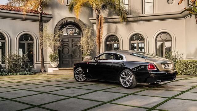 Rolls-Royce giới thiệu phiên bản Năm con lợn: Liệu đại gia Việt nào sẽ mạnh tay vung tiền? - Ảnh 6.