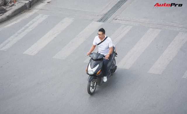 Dân Hà Nội đi chơi Tết: 1001 kiểu diện nhưng đều giống nhau ở 1 điểm chết người này - Ảnh 1.