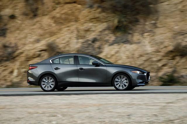 Đánh giá Mazda3 2019: Dễ hiểu vì sao người Việt mong THACO nhập về đến thế - Ảnh 12.