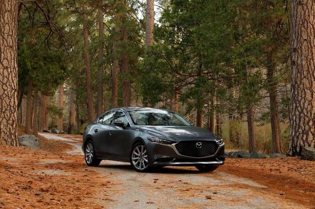 Đánh giá Mazda3 2019: Dễ hiểu vì sao người Việt mong THACO nhập về đến thế - Ảnh 2.