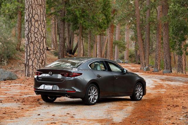 Đánh giá Mazda3 2019: Dễ hiểu vì sao người Việt mong THACO nhập về đến thế - Ảnh 14.