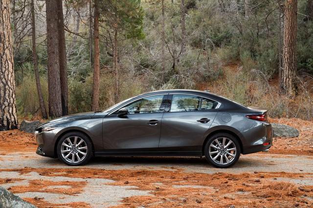 Đánh giá Mazda3 2019: Dễ hiểu vì sao người Việt mong THACO nhập về đến thế - Ảnh 1.