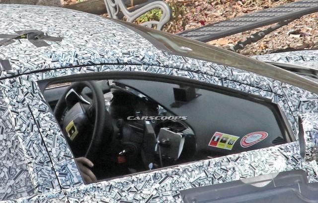 Mẫu xe thay thế Ford EcoSport thiết kế hao hao Porsche Macan xuất hiện trên phố - Lời đáp trả tới Hyundai Kona - Ảnh 4.