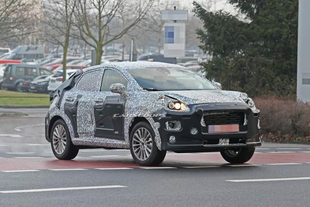 Mẫu xe thay thế Ford EcoSport thiết kế hao hao Porsche Macan xuất hiện trên phố - Lời đáp trả tới Hyundai Kona - Ảnh 1.